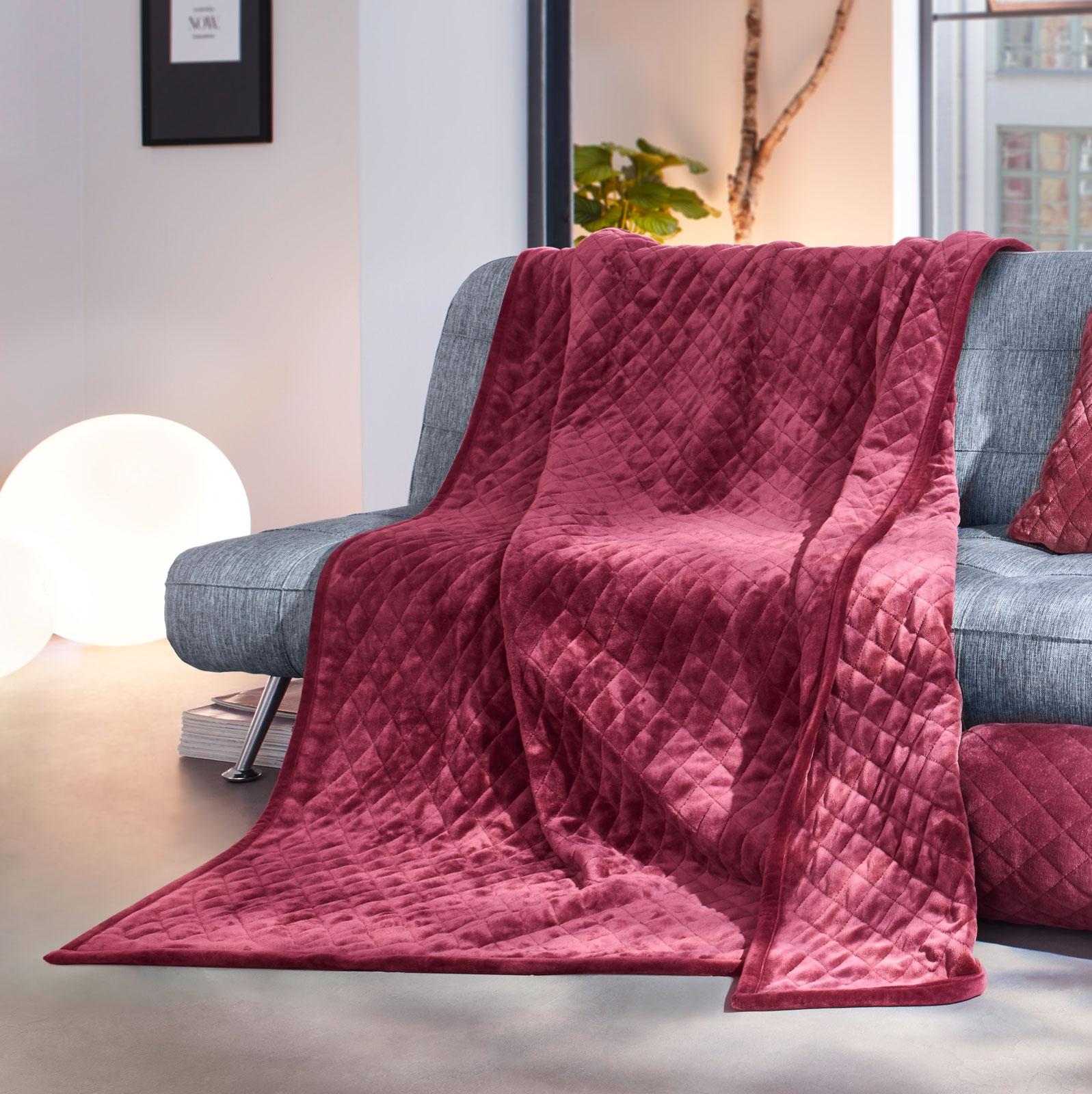 Wohndecken und Kissen - Gözze Wohndecke gesteppt 150x200 beere Duftset  - Onlineshop PremiumShop321