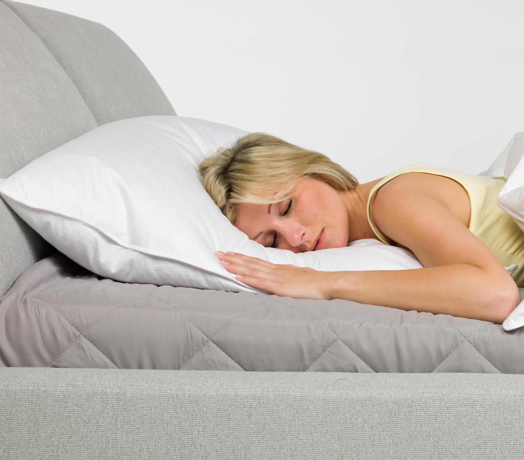 Bettdecken und Kopfkissen - Premium Kopfkissen 80x80 800 Gramm 50 Daunen 50 Federn Serie Moon  - Onlineshop PremiumShop321